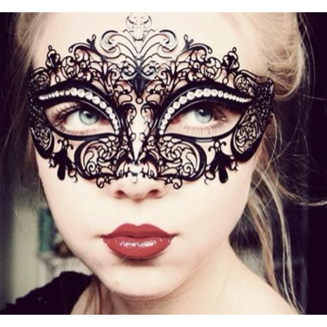 Detailed mask
