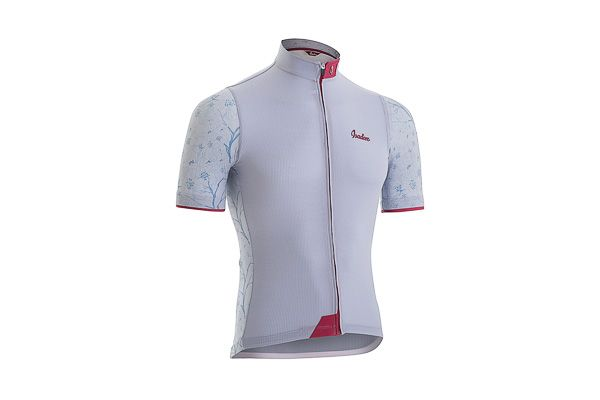 Isadore Apparel - Climbers Jersey - The ultra lightweight soft lycra sleeves and sidepanels adorns a special commissioned Mount Fuji inspired print to depict sections and natural habitat of the climb. #isadoreapparel #roadisthewayoflife #cyclingmemories