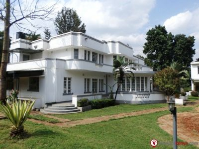 to let are these office spaces in a secure compound in westlands with a well