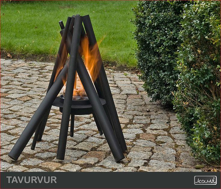 Ognisko nie tylko domowe! Lampa ogrodowa - kominek na biopaliwo w ogrodzie - aranżacja ogrodu. #biokominki #kominki #aranzacje #oswietlenie #dom #ogrod #lampa #ognisko #fire #garden #fireplace
