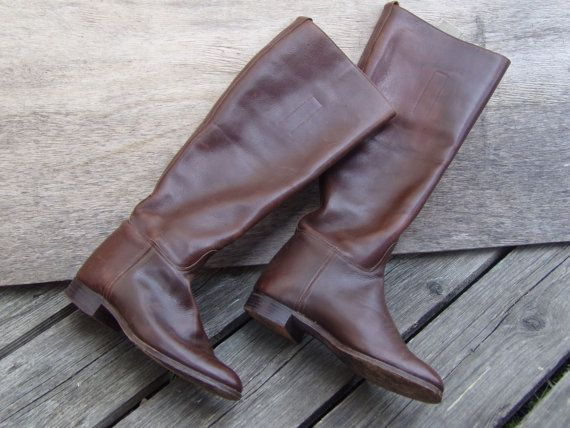 Beautiful Vintage Brown Leather English Riding boots Handcrafted 100% Leather. Excellent vintage condition-normal minimal vintage wear and scuffing. fits a size UK 3, EU 36, US 5  Please note that although this is a second hand item it is being sold in excellent used condition.   Your purchase will be shipped within 1-3 business days, we use Royal Mail, register mail with a tracking number. Each item will be sent to the address of your Etsy account. Please make sure it is correct.
