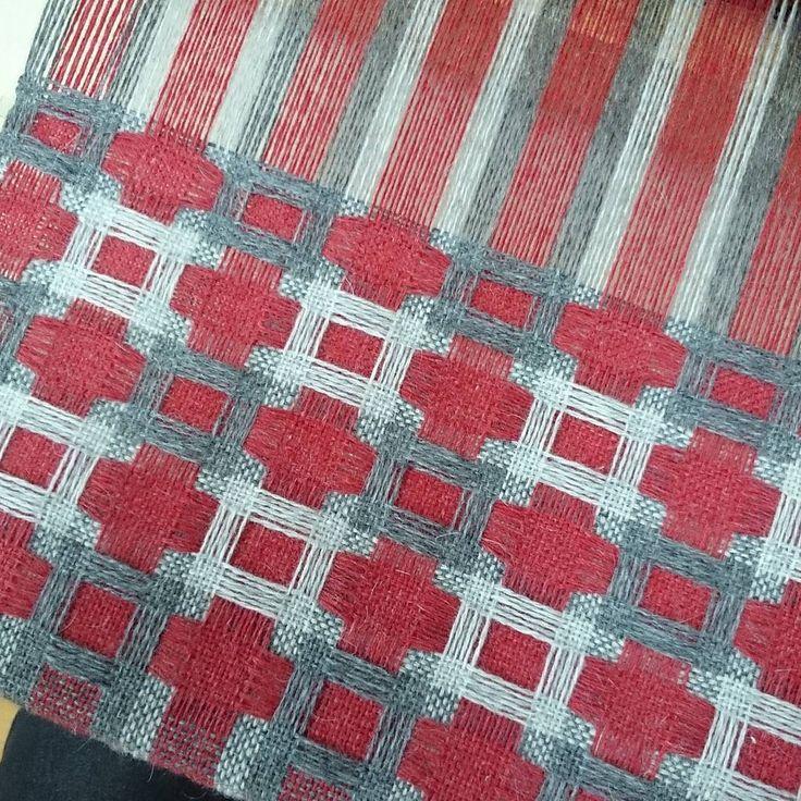 Deflected doubleweave #weavimg #deflecteddoubleweave #scarfs #myhobby #wool