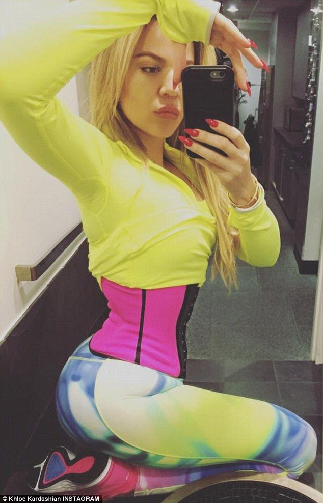 She likes it small:Khloe Kardashian has made a habit of showing off her impossibly tiny m...