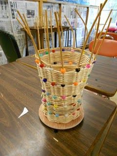 Weaving bast basket from a magazine rod 68
