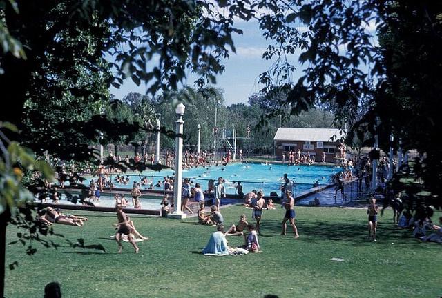 Albury Pool 1970s
