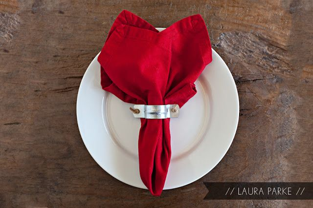 LAURA PARKE: DIY: RUSTIC NAPKIN RING (paint w/gold leaf for an even more unique look!)