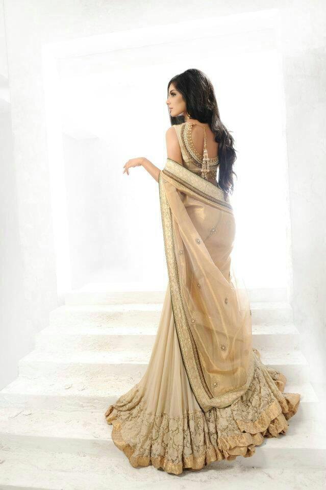 #lovegold #lovebeige #classicsari