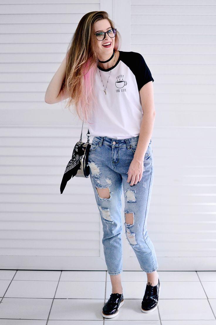 Meninices da Vida: Look: T-shirt, calça jeans destroyed e oxford