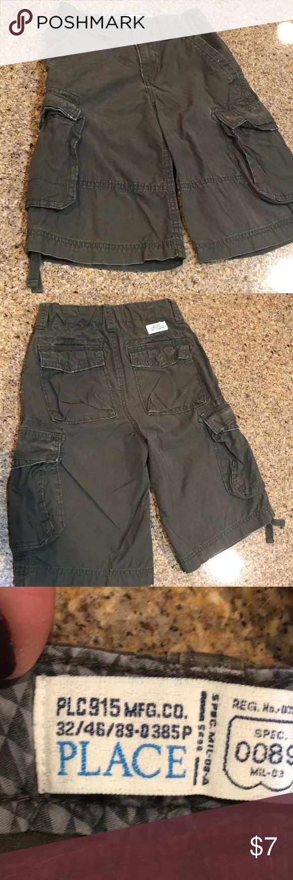 Children's Place Boys Cargo shorts Gently used boys cargo shorts Children's Place Bottoms Shorts