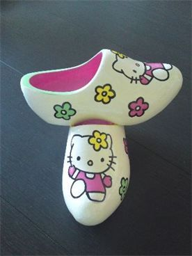 HELLO KITTY Wooden shoes