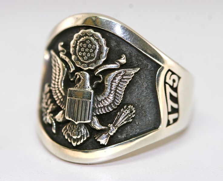 Amazing Custom Sterling Silver Army Ring made by US Veterans. Man, do i WANT one of these rings