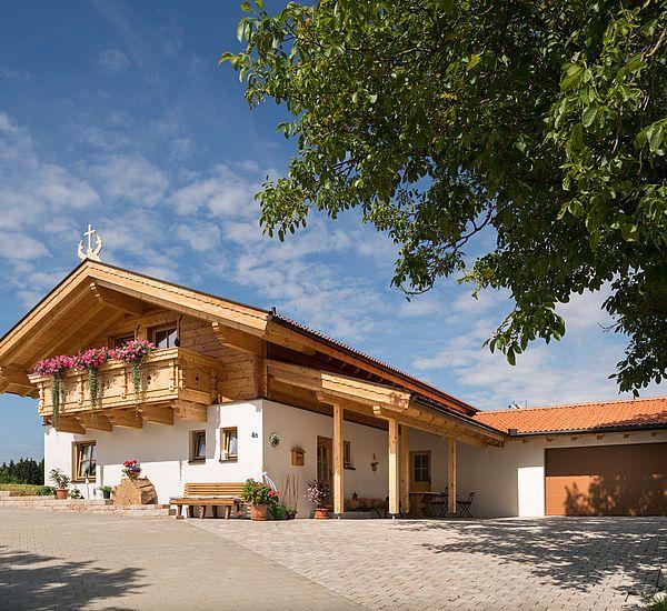 Tiroler Kombihaus / Riegel-Block-Hauskombination bauen