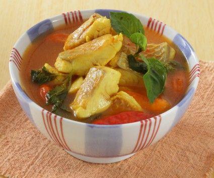 Olahan ikan berkuah segar ini cocok untuk hidangan akhir pekan Anda.  Cek resepnya di sini.