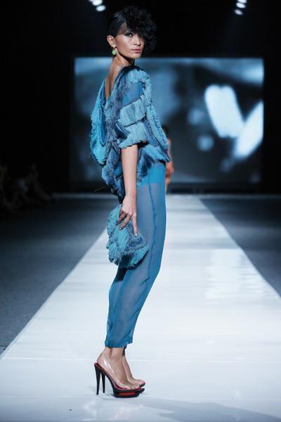 oscar lawalatta - dewi fashion knights 2012