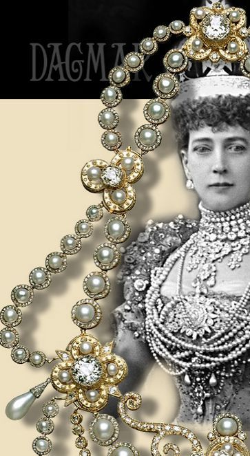 Pin by ROYAL MAGAZIN JEWELS on Royal Jewels England in ...