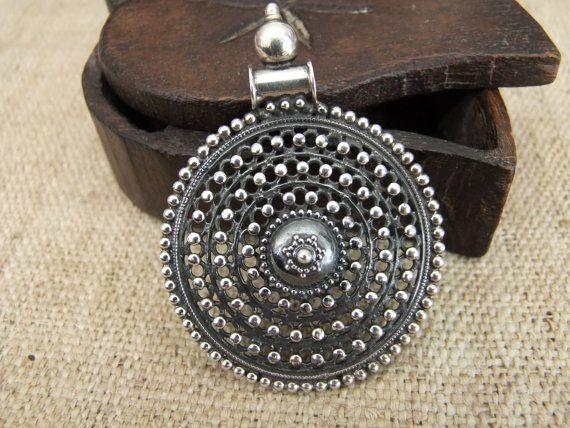 Colgante de plata Rajastán, joyería India, colgante de la India, joyería de Rajastán, joyería étnica.
