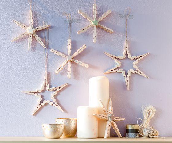 ⭐ Sternendeko ⭐ Basteln Sie mit uns einen stimmungsvollen Wäscheklammer-Stern. Deko-Sterne selber machen für die Winterzeit, so geht's. © frech Verlag