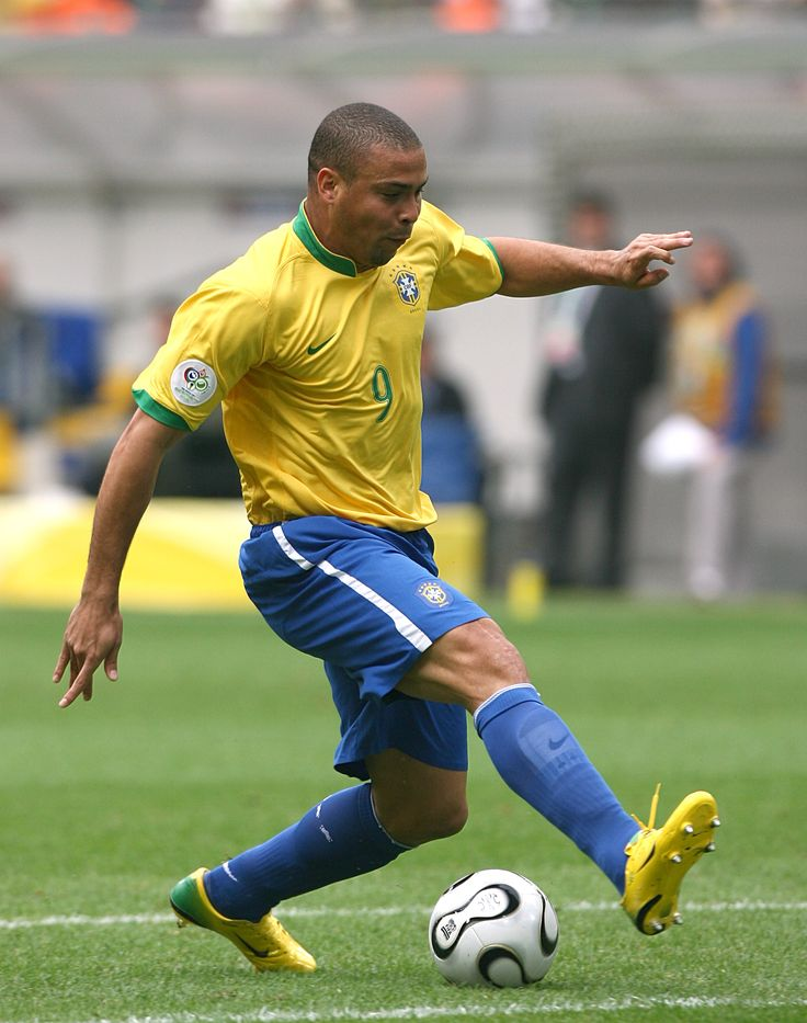 Ronaldo, Brazil (2002) www.pyrotherm.gr FIRE PROTECTION ΠΥΡΟΣΒΕΣΤΙΚΑ 36 ΧΡΟΝΙΑ ΠΥΡΟΣΒΕΣΤΙΚΑ 36 YEARS IN FIRE PROTECTION FIRE - SECURITY ENGINEERS & CONTRACTORS REFILLING - SERVICE - SALE OF FIRE EXTINGUISHERS www.pyrotherm.g