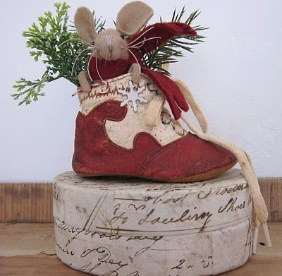 Cute Country Mouse Christmas: Holiday, Mice, Country Snippets, Search, Country Christmas, Christmas Mouse, Evi S Country, Baby Shoes