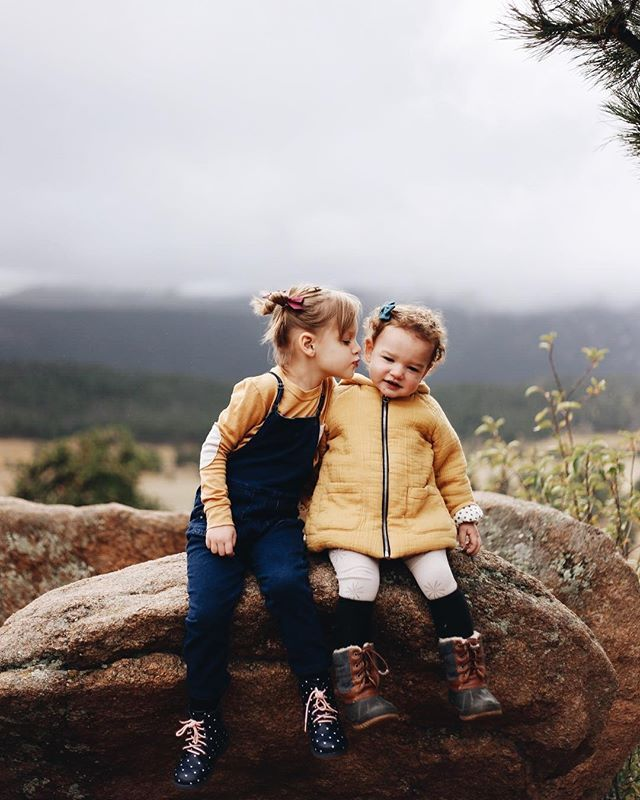 Classic hair bows for epic adventures. Wunderkin bows are handmade with love in the USA and guaranteed for life. Perfect for your baby, toddler or little girls free spirited style. Shop Wunderkin hair bow today.