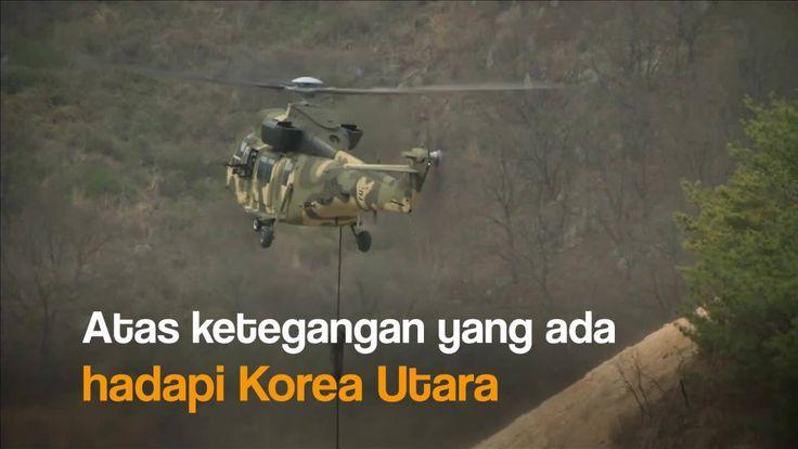 Pasukan Korea Selatan dan Amerika Serikat mengadakan latihan militer gabungan di tengah meningkatnya ketegangan di semenanjung Korea. Seperti apa suasananya? Tonton di sini: ------------------------------------------------ Mau lihat konten video menarik lainnya khas 20detik? Yuk, klik di sini: http://detik.id/6Bisus