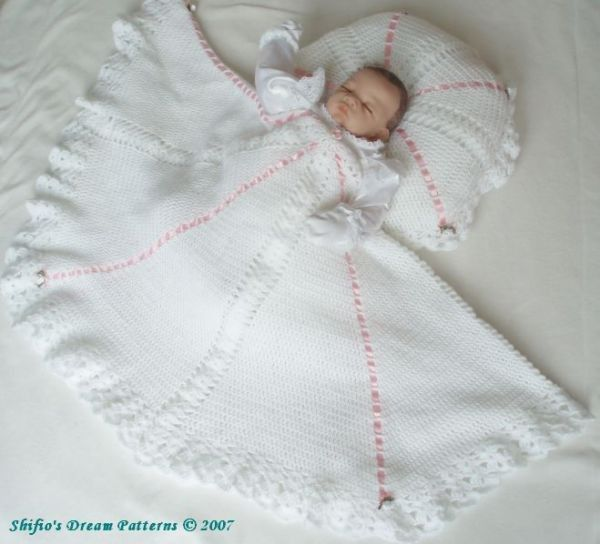 Christening Shawl Knitting Pattern Free : 214 best images about Baby Shawls on Pinterest Knitted shawls, Crochet baby...