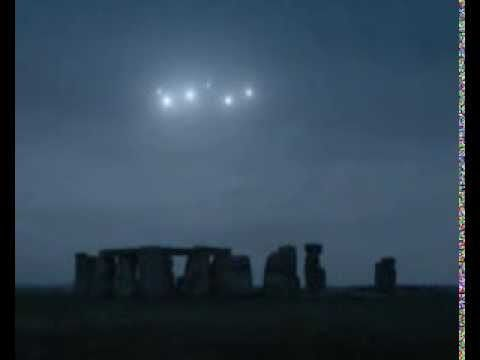 Ghosts,Spirits,Or UFO Sighted over Stonehenge 2013