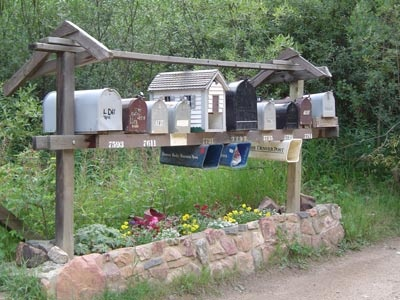 country road: Farm Ideas, Country Mailboxes, Life, Country Roads, Country Girls, Road Mailboxes, Country Decor, Mailbox Ideas, Mailbox Gardens