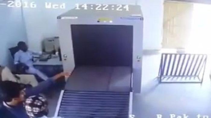 Pertama Kali Naik Pesawat, Pria Ini Lakukan Hal Konyol Ketika Pemeriksaan Barang di Bandara