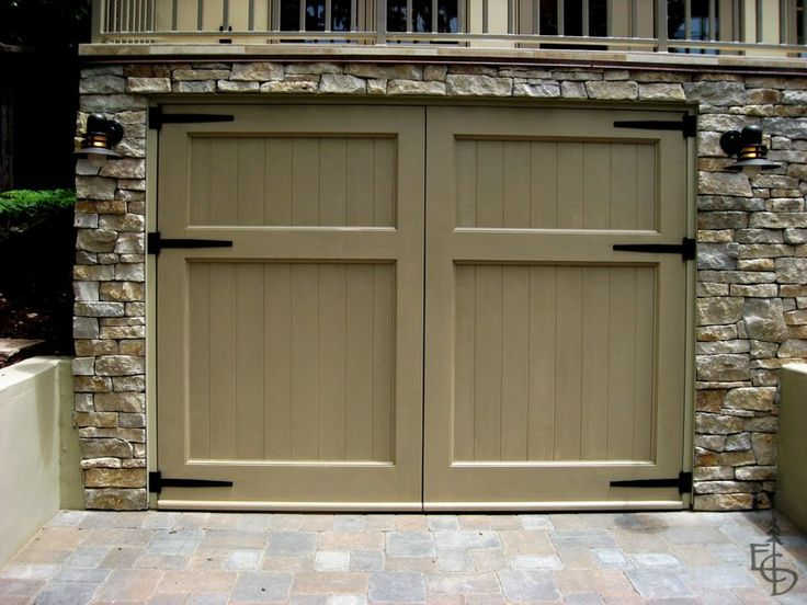 25 best ideas about carriage garage doors on pinterest for Carriage door plans