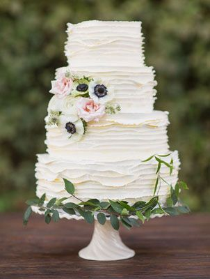 16 Absolutely Stunning White Wedding Cakes from Perfect Wedding Guide's Blog: Head Over Heels