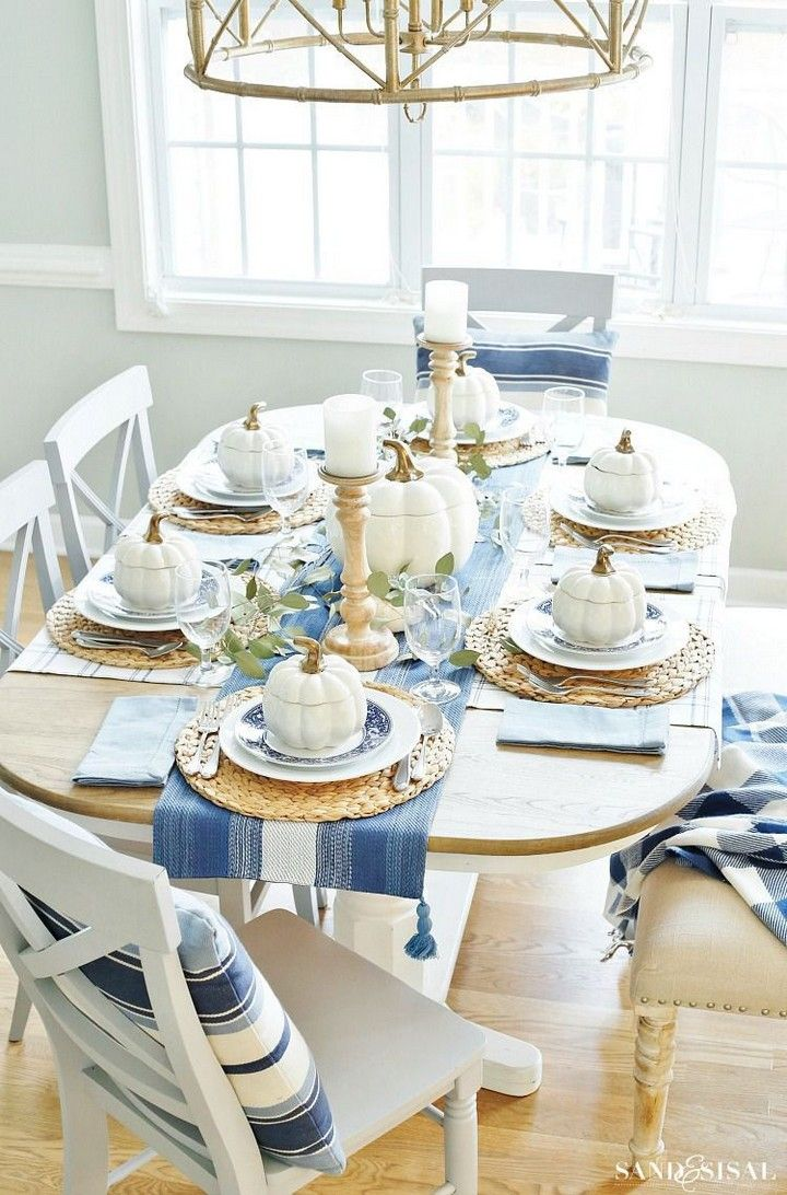 Stunning Thanksgiving Table Setting Ideas For 2020 In 2020 Thanksgiving Table Decorations Elegant Thanksgiving Table Thanksgiving Table Settings Elegant