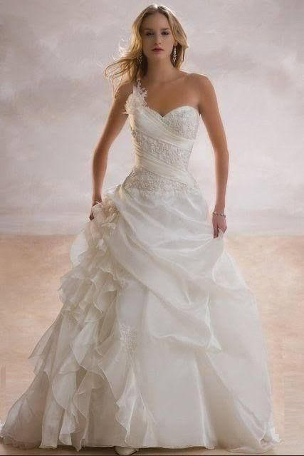 One Shoulder A-line Appliqued Wedding Gown