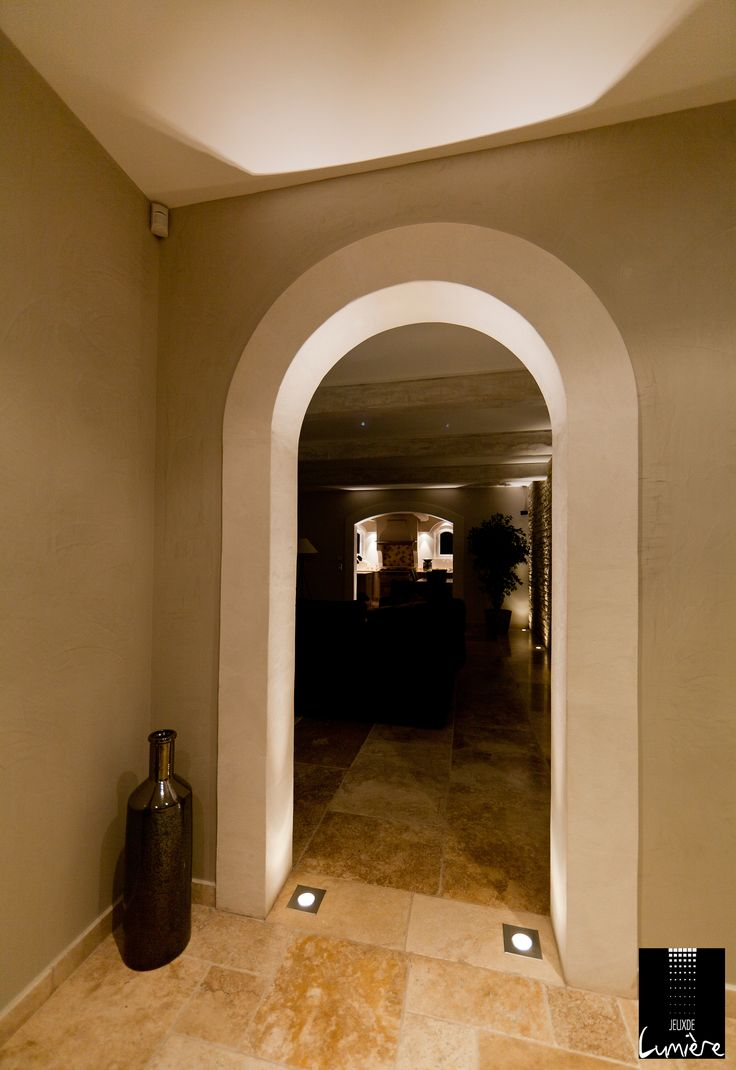 25 best images about eclairage couloir et escalier on. Black Bedroom Furniture Sets. Home Design Ideas
