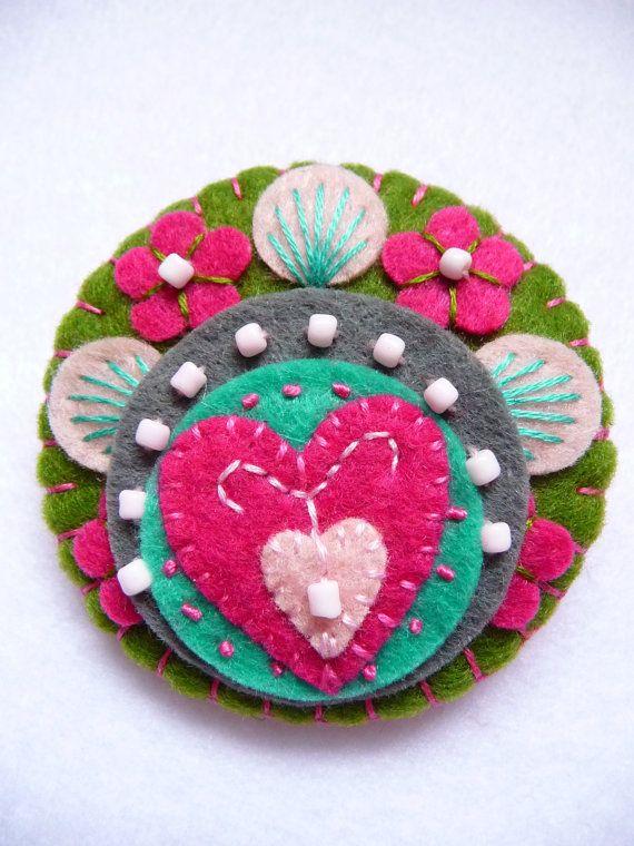 FB074   Heart to Heart   Handmade Mini Felt by designedbybettyshek