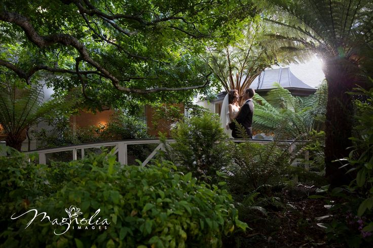 The lush gardens of Poet's Lane reception provided a stunning environment for this image