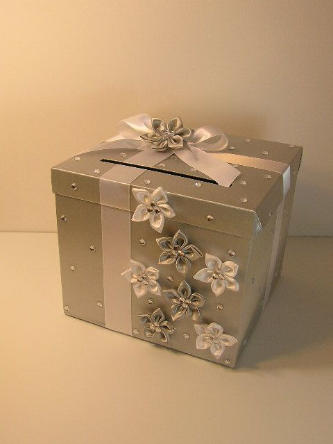 *-»¦«-•´¯`*♥*´¯`•-»¦«-* *-»¦«-•´¯`*♥*´¯`•-»¦«-* ♥Do you want to upgrade to Swarovski Crystal all over the box ? just add $20.00USD ! http://www.etsy.com/listing/91666052/sw... #decoration #wedding