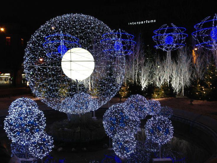 Champs Elysees, Paris www.jetaimeskippy... thinks this is sublime!   www.jetaimeskippy... thinks this is sublime!   #Webdesigner #traveller #Paris #Australian #jetaime #skippy #iloveyouskippy