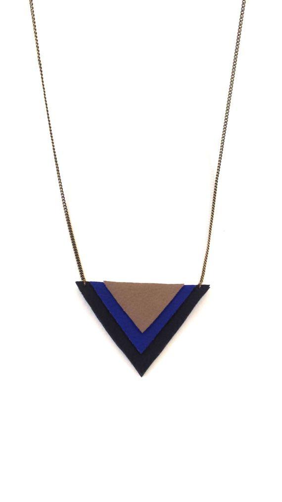 Sautoir triangles simili cuir bleu, noir et beige
