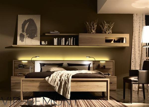 Локальным источником света может служить подсветка стен или потолка, например, ниши у изголовья кровати, скрытая подсветка картин и молдингов, контурное освещение на потолке.