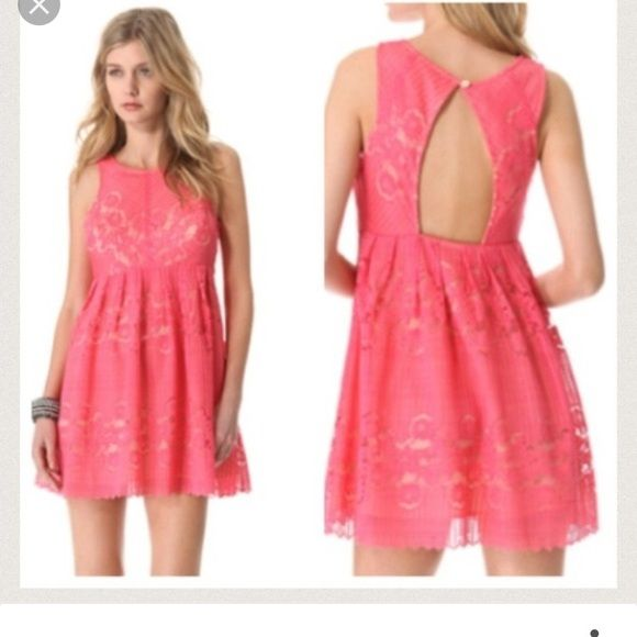 Free People Coral Lace Dress, Size 2 This coral lace dress is the perfect cocktail dress for a wedding, or a night out on the town!! It is in excellent condition! It has an open back which is darling too :) Free People Dresses