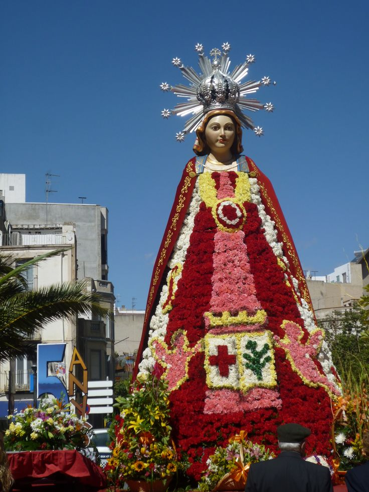 La Virgen en Fallas en Benicarló (Castellón) España.