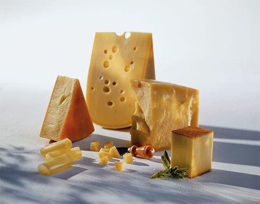 Los queseros suizos son apasionados de sus tradiciones, y es por este motivo que los quesos que elaboran hoy son igual que los que se hacían hace cientos de años.