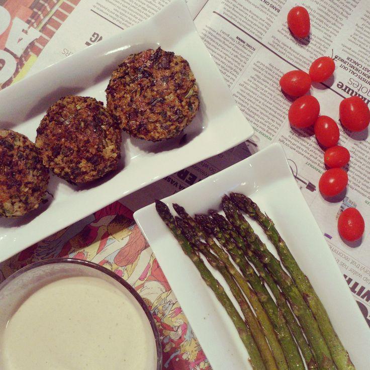 Vegan Quinoa patties. Visit The Green Chickpea for the recipe: http://thegreenchickpea.wordpress.com/