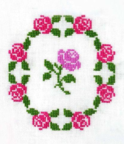 Rose Garden Wreath ~ PDF Cross Stitch Pattern