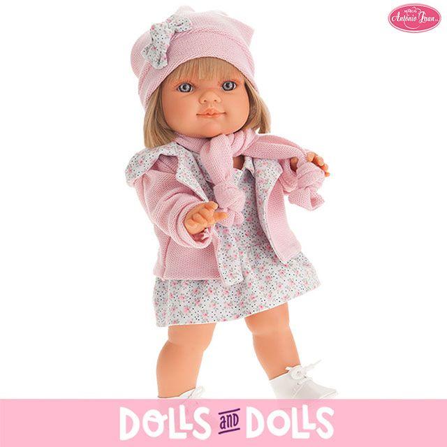Farita y Farito son dos muñecos de la marca Antonio Juan que te van a encantar. ¡Miden 38 cm, son de vinilo y llevan unos conjuntitos tan monos que querrás sacarlos a pasear y presumir de ellos todo el día! https://dollsanddolls.com/es/antonio-juan/munecas-antonio-juan/?altura_doll=179&material=8&tipo_genero=301 #Dolls #AntonioJuanDolls #DollsMadeInSpain #Bonecas #Poupées #Bambole #MuñecasAntonioJuan