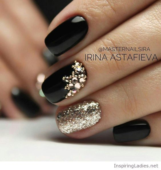 Amazing black gel nails with gold | Inspiring Ladies