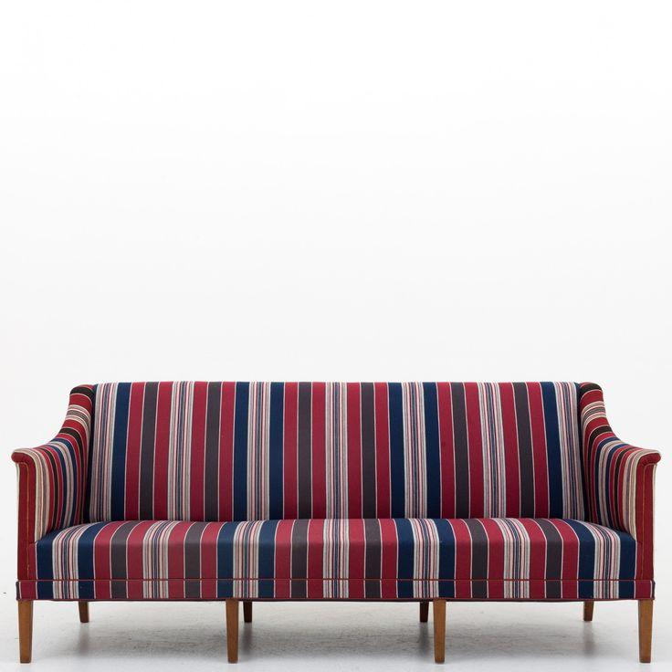KK 6092 - 3 seater sofa