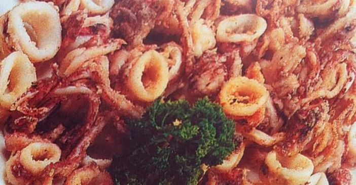 Cette recette de calamars frits croates est simple et délicieuse. On en trouve des variations entre l'Istrie, le Kvarner et la Dalmatie.