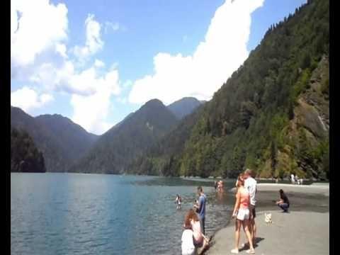Абхазия  озеро Рица  Озеро в горах. Abkhazia Lake Ritsa. Lake in the mou...